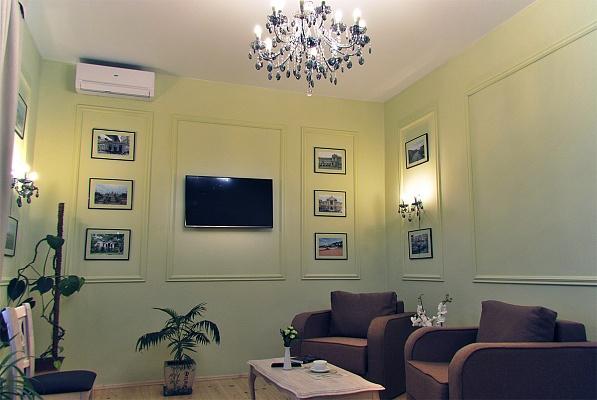 1-комнатная квартира посуточно в Одессе. Приморский район, ул. Жуковского, 6. Фото 1
