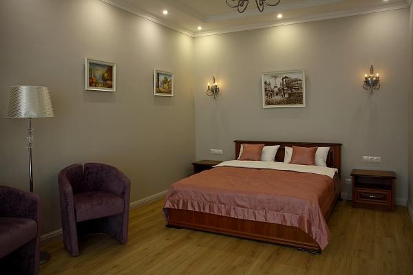 2-комнатная квартира посуточно в Одессе. Приморский район, Французский Бульвар, 60А. Фото 1