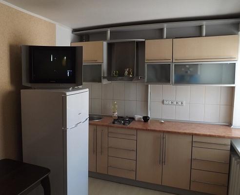 2-комнатная квартира посуточно в Измаиле. пр-т Мира (Ленина), 42. Фото 1