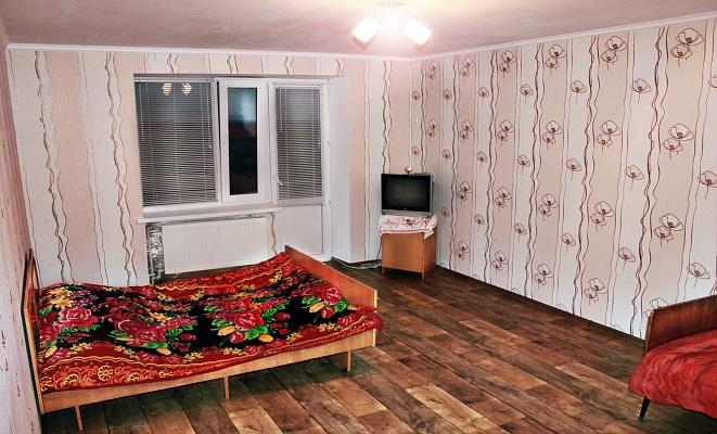 1-комнатная квартира посуточно в Скадовске. ул. Свободы (Октябрьской революции), 3А. Фото 1