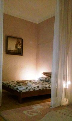1-комнатная квартира посуточно в Киеве. Шевченковский район, ул.Софиевская, 4. Фото 1
