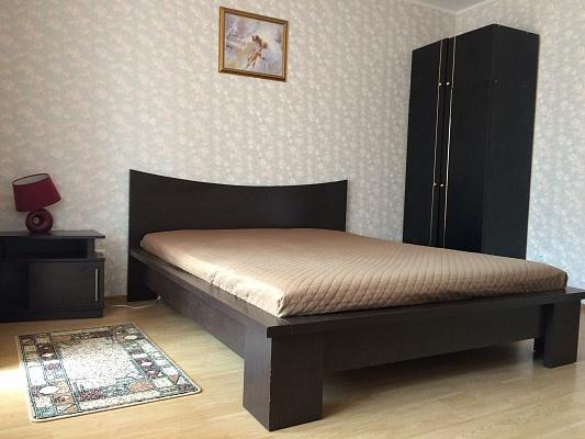 2-комнатная квартира посуточно в Киеве. Дарницкий район, ул. Урловская, 8. Фото 1