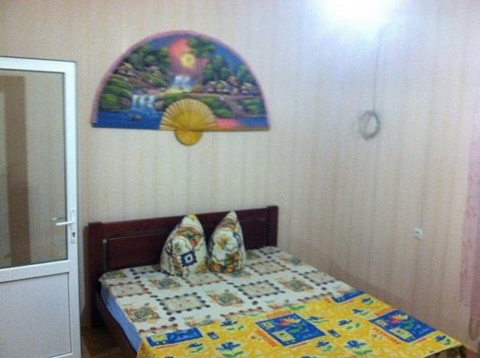 1-комнатная квартира посуточно в Одессе. Киевский район, ул. Дача Ковалевского, 119а. Фото 1