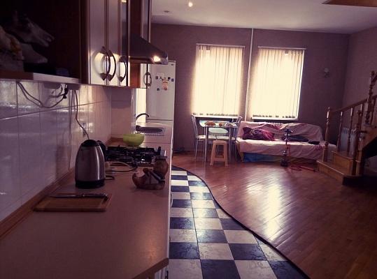 3-комнатная квартира посуточно в Одессе. Киевский район, ул. Писарева, 10. Фото 1
