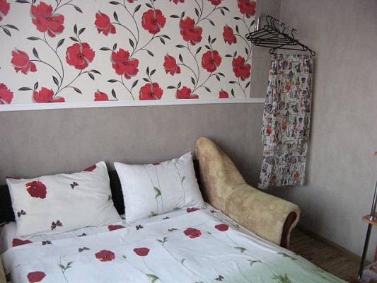 2-комнатная квартира посуточно в Железном Порту. ул. Садовая, 44А. Фото 1