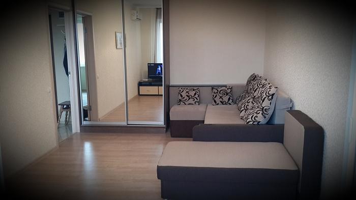 1-комнатная квартира посуточно в Одессе. Суворовский район, Николаевская дорога, 305а. Фото 1