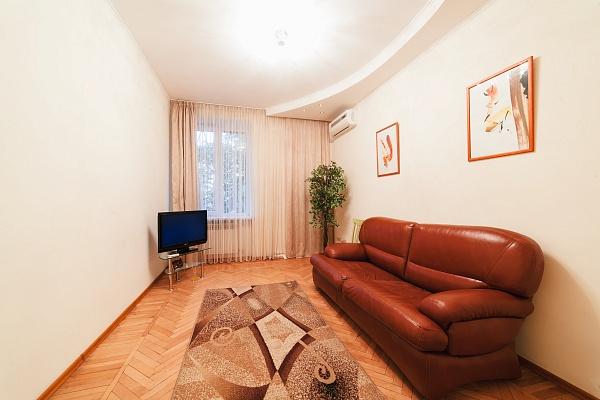 3-комнатная квартира посуточно в Одессе. Приморский район, ул. Спиридоновская, 6. Фото 1