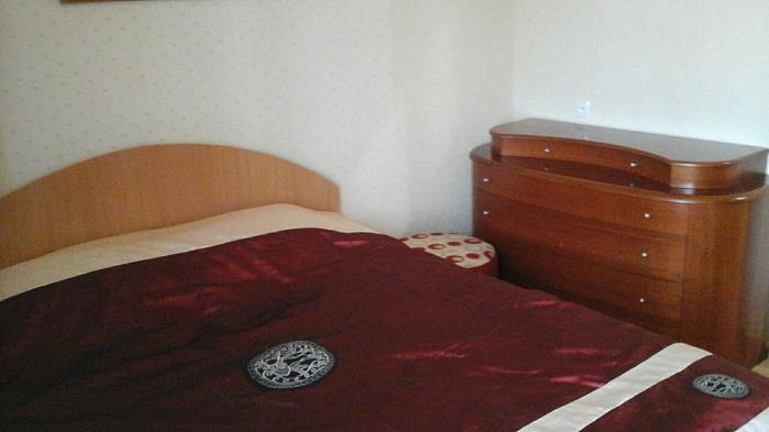 2-комнатная квартира посуточно в Мариуполе. Центральный район, пр-т Металлургов, 95. Фото 1