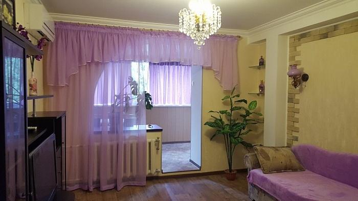 2-комнатная квартира посуточно в Ялте. ул. Весенняя, 5. Фото 1