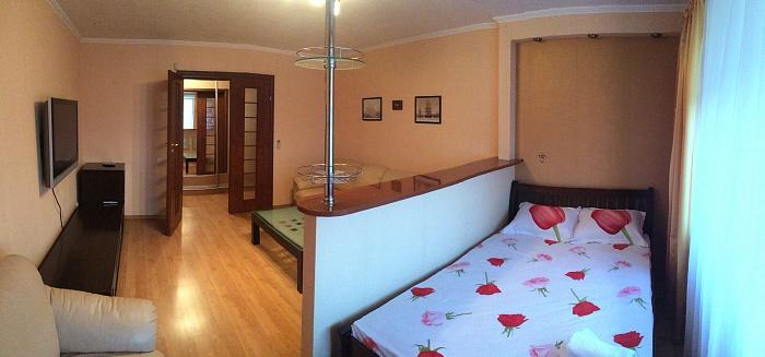 1-комнатная квартира посуточно в Одессе. Киевский район, ул. Мачтовая, 17. Фото 1