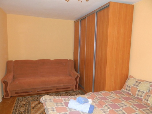 1-комнатная квартира посуточно в Ровно. ул. Княгини Ольги, 10. Фото 1