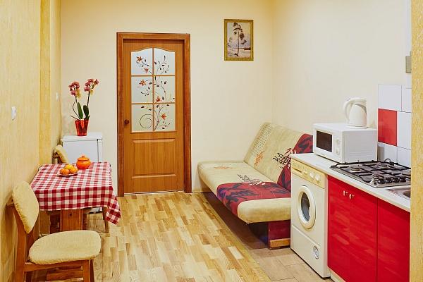 1-комнатная квартира посуточно в Львове. Галицкий район, ул. Котлярская, 14. Фото 1
