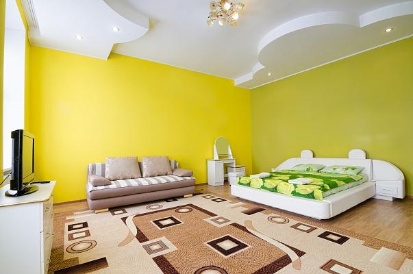 2-комнатная квартира посуточно в Львове. Галицкий район, пр-т Свободы, 33. Фото 1