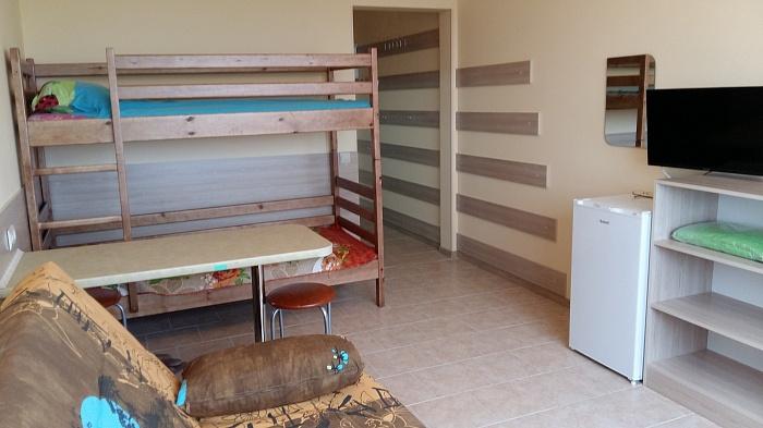 1-комнатная квартира посуточно в Затоке. б-в Золотой берег, 33. Фото 1