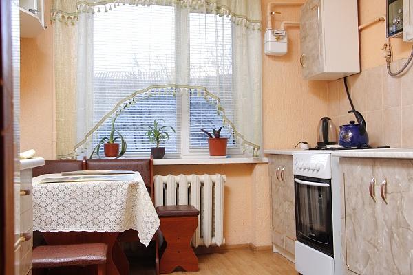 3-комнатная квартира посуточно в Переяслав-Хмельницком. ул. Ивана Мазепы, 17-19. Фото 1