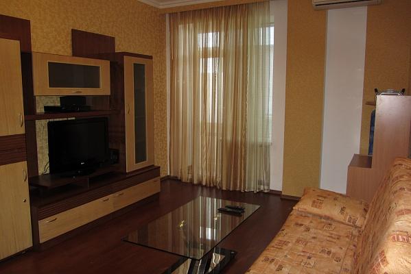 1-комнатная квартира посуточно в Ильичёвске. ул. Парковая, 44. Фото 1