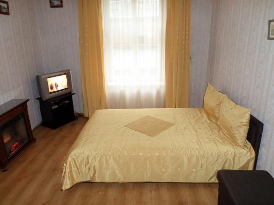 1-комнатная квартира посуточно в Львове. Галицкий район, ул. Дорошенко, 62. Фото 1
