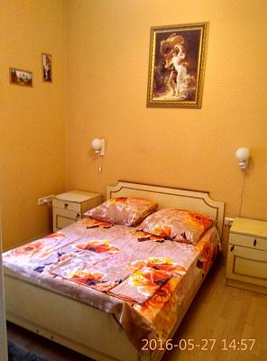 2-комнатная квартира посуточно в Одессе. Приморский район, ул. Жуковского, 40. Фото 1
