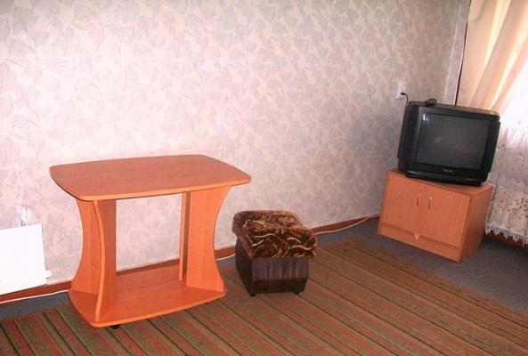 1-комнатная квартира посуточно в Сумах. Ковпаковский район, ул. Засумская, 16. Фото 1