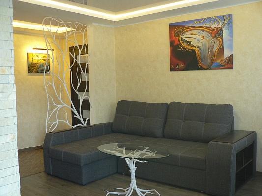 2-комнатная квартира посуточно в Хмельницком. ул. Каменецкая, 52. Фото 1