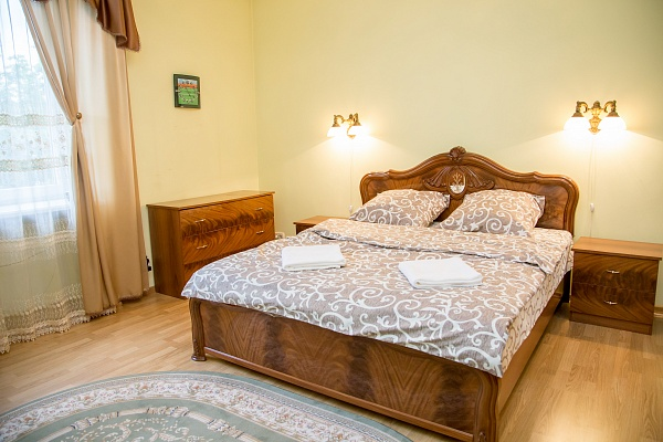 2-комнатная квартира посуточно в Львове. Франковский район, ул. Николая Зерова, 11. Фото 1