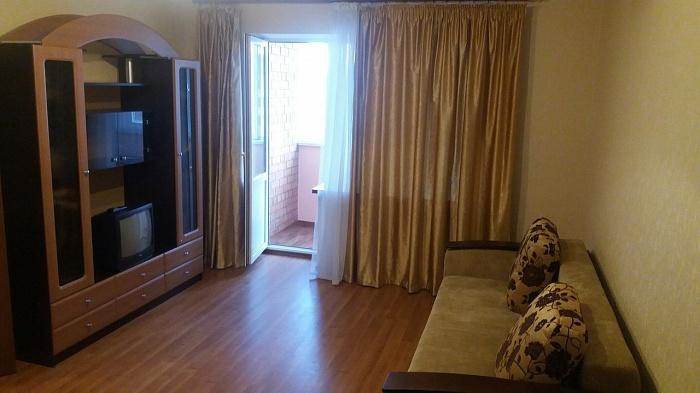 1-комнатная квартира посуточно в Ильичёвске. ул. Героев Сталинграда, 1Г. Фото 1