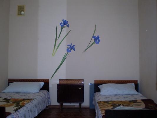 Мини-отель  посуточно в Урзуфе. ул. Щорса, 67. Фото 1