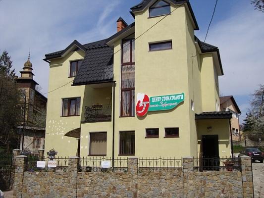 Мини-отель  посуточно в Трускавце. ул. Речки, 17а. Фото 1