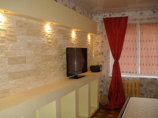 2-комнатная квартира посуточно в Кривом Роге. Долгинцевский район, ул. Косиора, 88. Фото 1