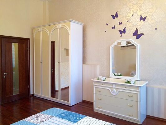 3-комнатная квартира посуточно в Одессе. Приморский район, ул. Маразлиевская, 38. Фото 1