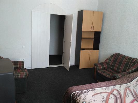 2-комнатная квартира посуточно в Запорожье. Орджоникидзевский район, ул. Независимой Украины, 72. Фото 1