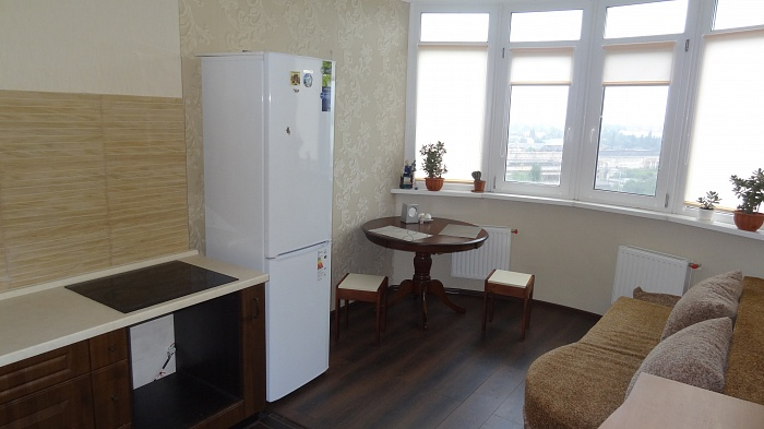 1-комнатная квартира посуточно в Одессе. ул. Якова Бреуса, 63/1. Фото 1