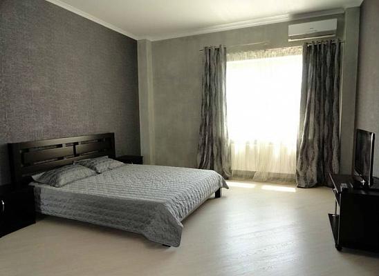 3-комнатная квартира посуточно в Одессе. Приморский район, б-р Французский, 9. Фото 1