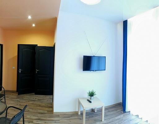 1-комнатная квартира посуточно в Ивано-Франковске. ул. Короля Данила, 27. Фото 1