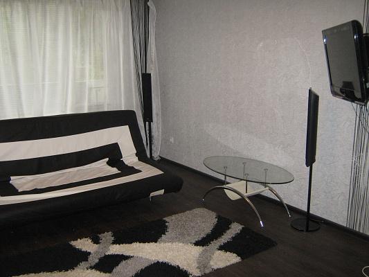 2-комнатная квартира посуточно в Луганске. Ленинский район, кв. солнечный, 15. Фото 1