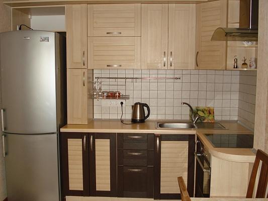 2-комнатная квартира посуточно в Одессе. Среднефонтанская, 19. Фото 1