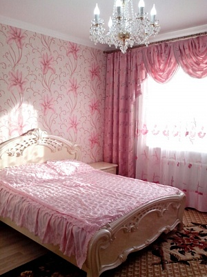 1-комнатная квартира посуточно в Трускавце. ул. Маркиана Шашкевича, 16. Фото 1