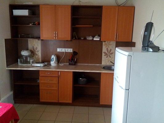 1-комнатная квартира посуточно в Ивано-Франковске. ул. Военных Ветеранов, 10а. Фото 1