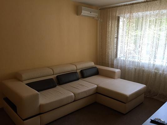 2-комнатная квартира посуточно в Одессе. ул. Троицкая, 4. Фото 1