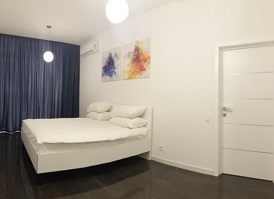2-комнатная квартира посуточно в Одессе. Приморский район, Французский Бульвар, 60/В. Фото 1