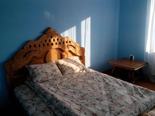 1-комнатная квартира посуточно в Ивано-Франковске. ул. Декабристов, 56. Фото 1