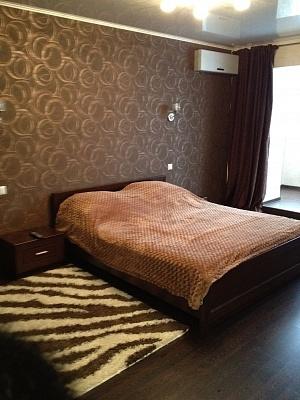 1-комнатная квартира посуточно в Николаеве. пр-т Мира, 1. Фото 1