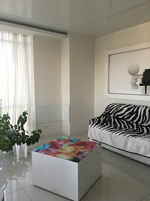 1-комнатная квартира посуточно в Одессе. Приморский район, пр-т Шевченко, 33Б. Фото 1