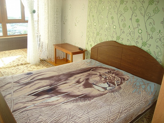 2-комнатная квартира посуточно в Ильичёвске. ул. Лазурная (б-р Гайдара), 7. Фото 1