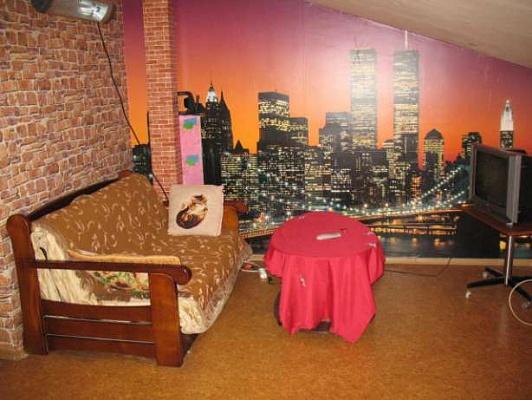 2-комнатная квартира посуточно в Ильичёвске. ул. Радостная, 11А. Фото 1