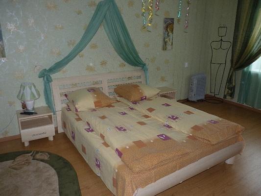 3-комнатная квартира посуточно в Черкассах. ул. Гоголя, 221. Фото 1