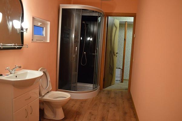 2-комнатная квартира посуточно в Одессе. ул. Малая Арнаутская, 70. Фото 1