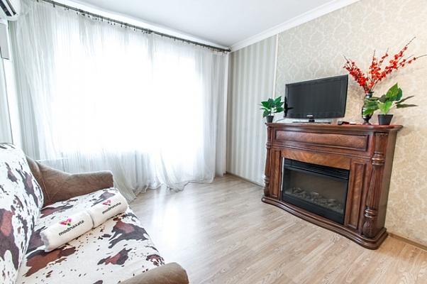 1-комнатная квартира посуточно в Харькове. Дзержинский район, пр-т Науки, 41/43. Фото 1