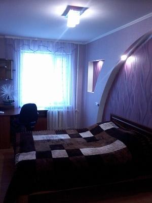 2-комнатная квартира посуточно в Александрии. ул. Г.Сокальского (Карла Либкнехта), 31. Фото 1