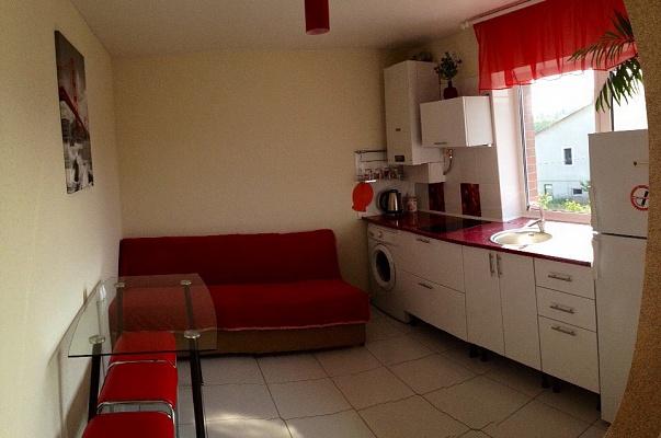 2-комнатная квартира посуточно в Хмельнике. ул. Давида Капицы, 3. Фото 1